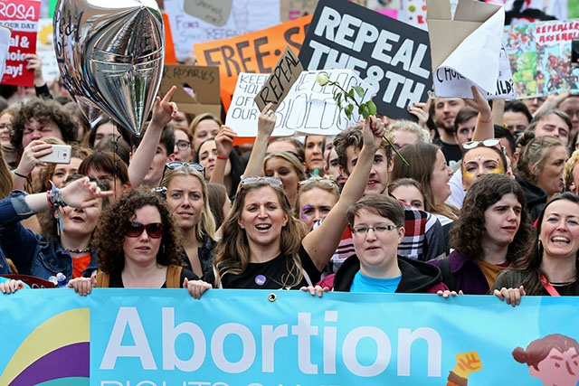 Irlande: un référendum sur l'avortement sera organisé fin mai