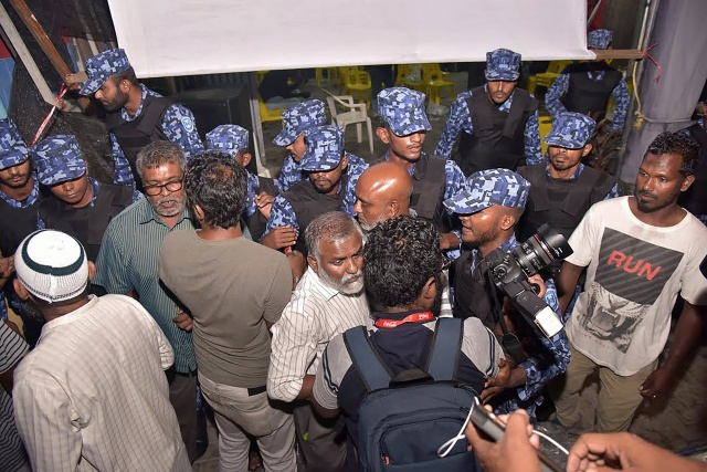 Clashes in Maldives after court blow to regime