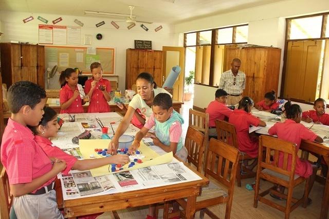 Des Zambiens et des Mauriciens renforcent les rangs des enseignants dans les écoles publiques des Seychelles