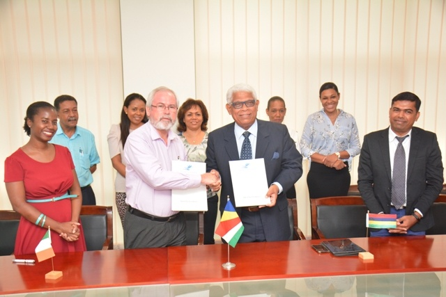 Renewed agreement means more Seychellois tourism students will train in Mauritius, Ireland