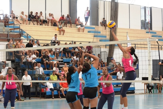 2 Seychellois teams make finals in volleyball club tournament being played on home soil