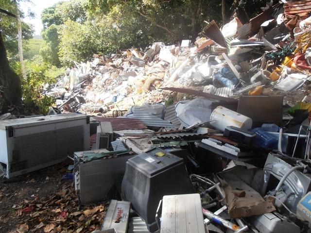 Un broyeur industriel pour aider à réduire le volume de déchets aux Seychelles
