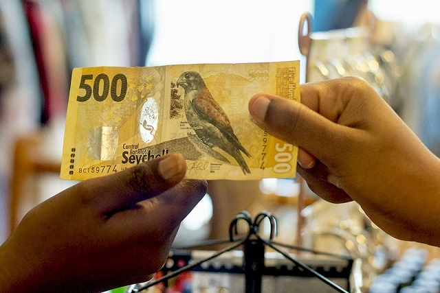 The 500 rupee note: Seychelles' richest bank note and its 7 natural wonders