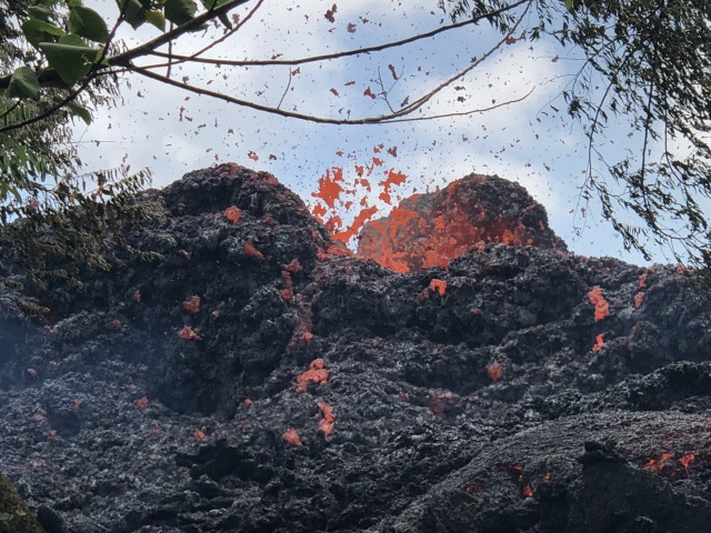 Red alert raised after ash bursts from Hawaii volcano