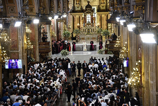 Scandale de pédophilie: tous les évêques chiliens remettent leur démission au pape