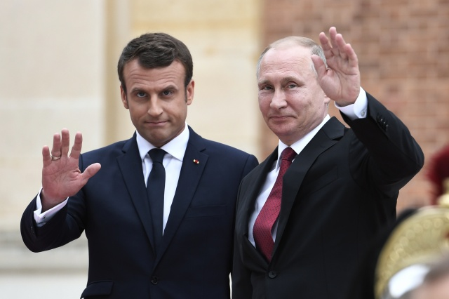 Macron in Russia for high-stakes talks with Putin