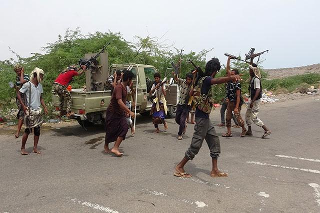 Yémen: les forces anti-rebelles déterminées à s'emparer d'un port stratégique