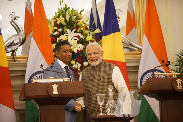 India offers Seychelles $ 100 million line of credit for defence, infrastructure