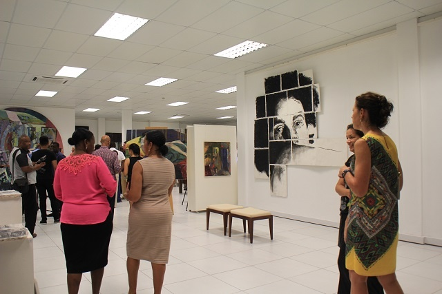International artist opens exhibition, works with artists in Seychelles