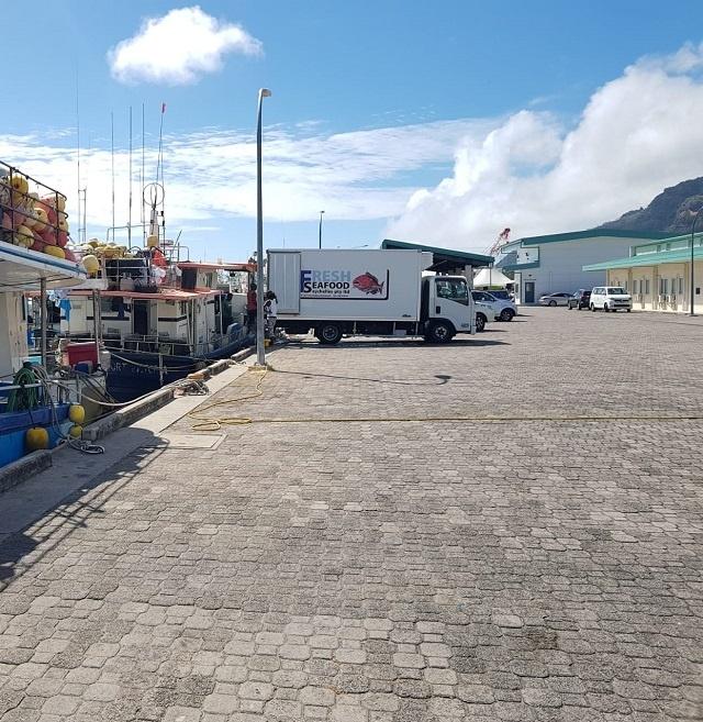 Les pêcheurs artisanaux des Seychelles bénéficieront d'un nouveau quai et d'une machine à glace financés par le Japon