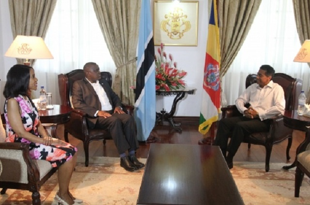 Botswana offers assistance to Seychelles during presidential visit