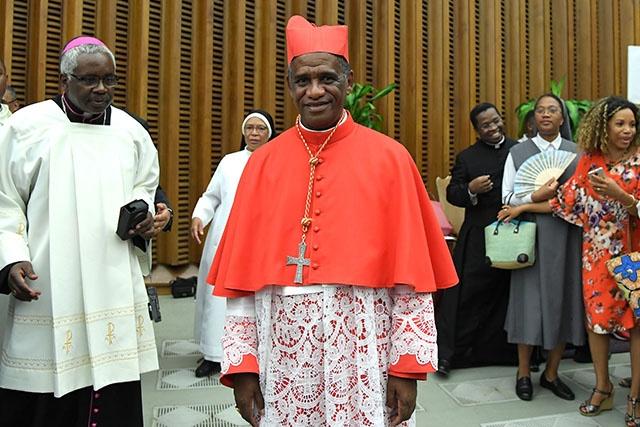 Le cardinal de Madagascar annonce la venue du pape en 2019