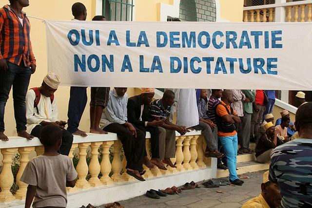 """Le chef de l'ONU appelle """"au calme"""" et """"au dialogue"""" aux Comores"""