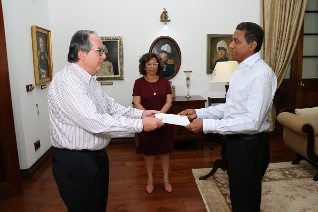 Two countries with long coastlines, Seychelles and Mexico, to cooperate on education, culture