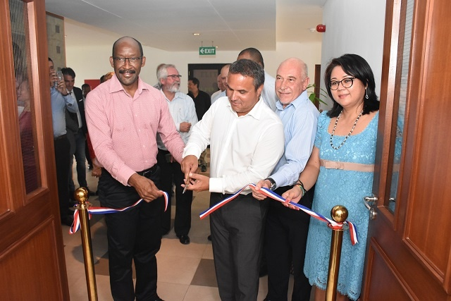 New office to advance relations with Reunion opens in Seychelles