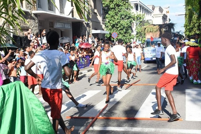 Sound and colour: 21 floats liven up Seychelles' capital during Creole Festival
