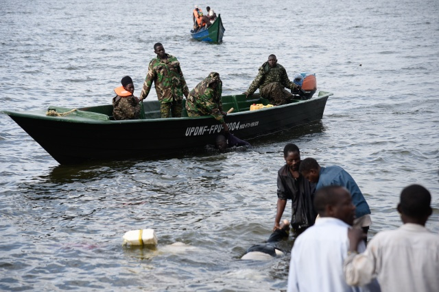 At least 30 drown in Uganda pleasure boat disaster