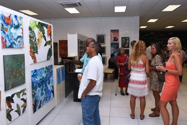 Art fair in Seychelles showcases paintings, photos for sale