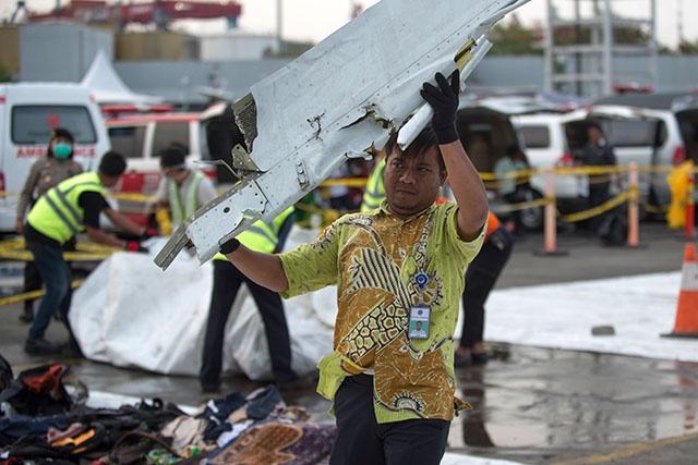 Crash en Indonésie: l'avion n'aurait pas dû être autorisé à voler selon l'enquête