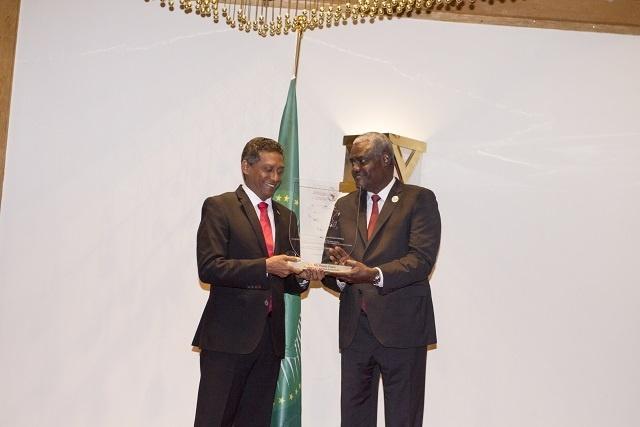 Les Seychelles récompensées au forum sur l'économie bleue au Kenya avec un prix pour le secteur maritime