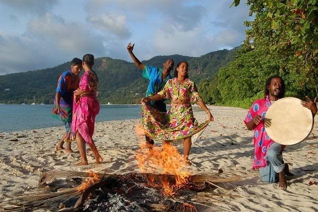 Les Seychelles poussent pour que le 'moutya' soit reconnu par l'UNESCO