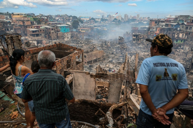 Huge fire ravages 600 homes in Brazil's Amazon