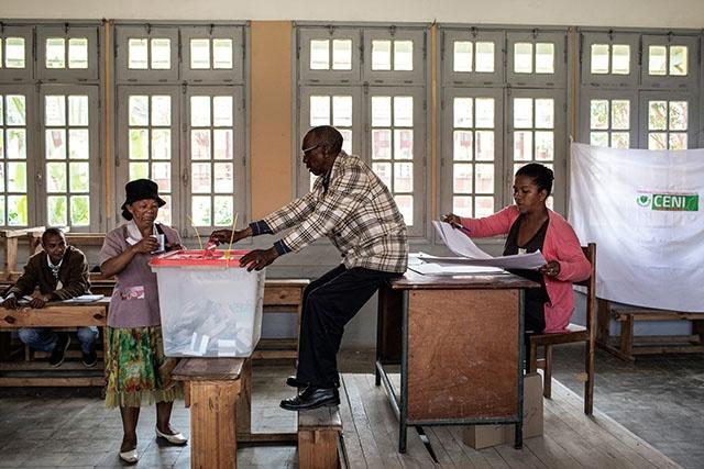 Présidentielle: les Malgaches tranchent le combat des chefs