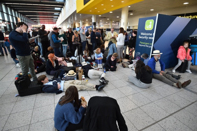 Army joins drone hunt after London airport shutdown