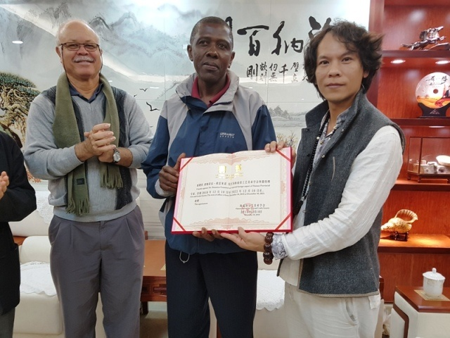 Chinese university names Seychellois as special expert for coconut carving