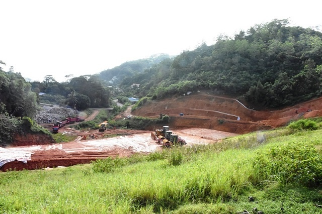 Work to raise dam in Seychelles 25 percent complete - but 4 months behind schedule