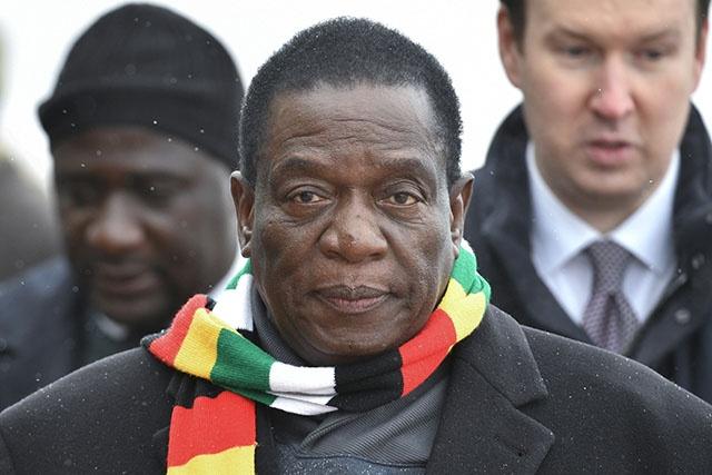 Zimbabwe: le président Mnangagwa rentre en raison de manifestations
