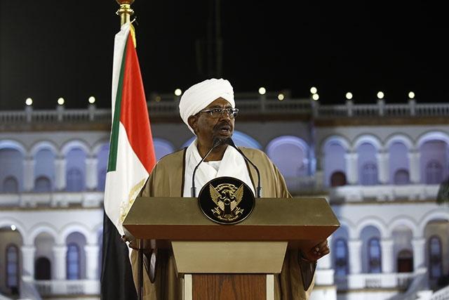 Soudan: changements dans les hautes sphères du pouvoir mais la contestation perdure