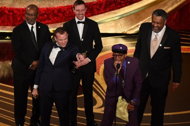 Oscars red carpet: old school glamour, loads of pink, stylish men