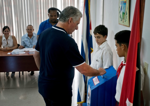 Cubans back new constitution affirming role of socialism