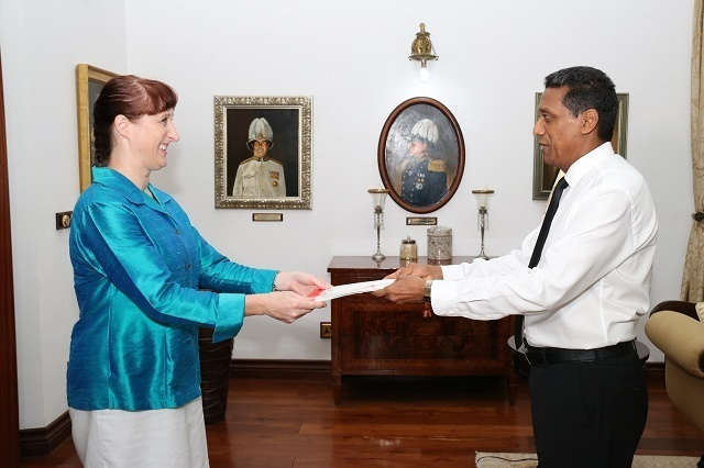 Les ambassadeurs du Canada et du Qatar discutent de commerce et de l'économie Bleue avec le président des Seychelles