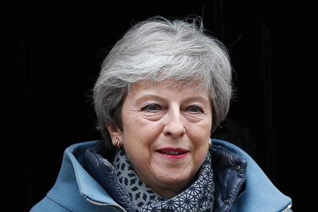 Theresa May offre sa démission contre l'adoption de son accord de Brexit