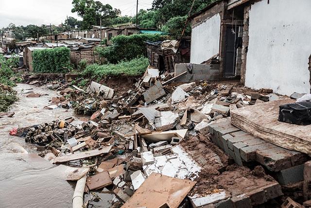 Inondations en Afsud: 51 morts, le président Ramaphosa sur place