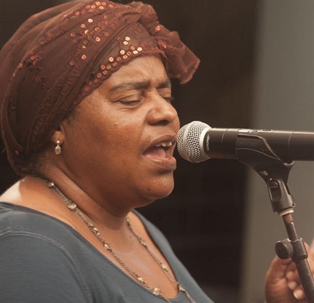 Les bars, les clubs et les hôtels qui jouent des chansons seychelloises devront payer les artistes, selon un nouveau contrat