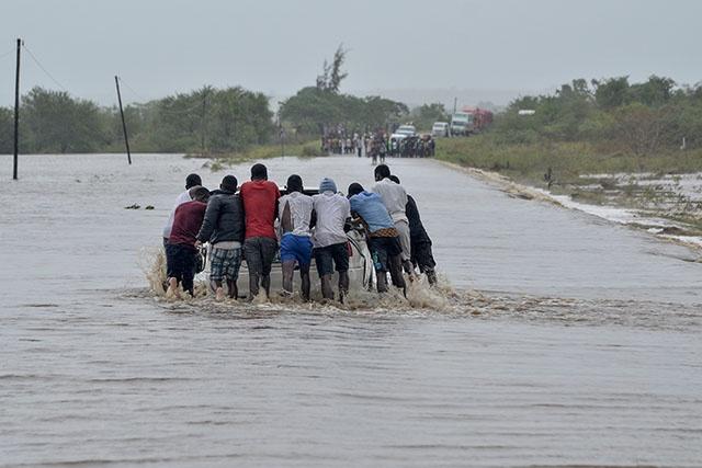 """Après le cyclone Kenneth, le Mozambique redoute des inondations """"dévastatrices"""""""