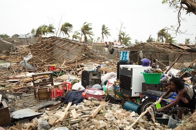 Solidaires, les Seychellois envoient des dons pour venir en aide aux personnes qui souffrent au Mozambique et au Sri Lanka