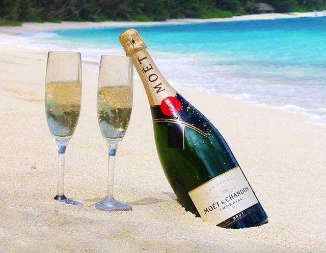 Les Seychelles porteront un toast à cela! La nation insulaire consomme le plus de champagne en Afrique par tête d'habitant
