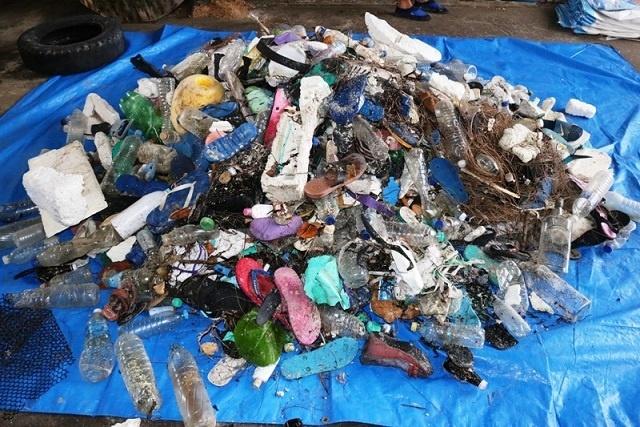 10 tonnes de déchets - provenant pour la plupart d'autres pays - collectées lors d'un grand nettoyage des plages aux Seychelles