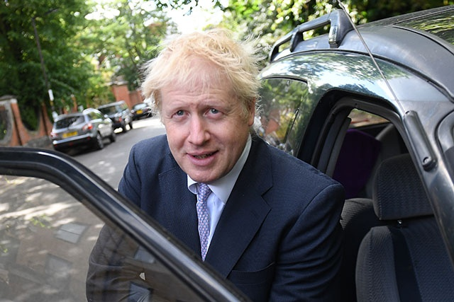 """Brexit: Boris Johnson convoqué par la justice pour """"mensonges"""""""