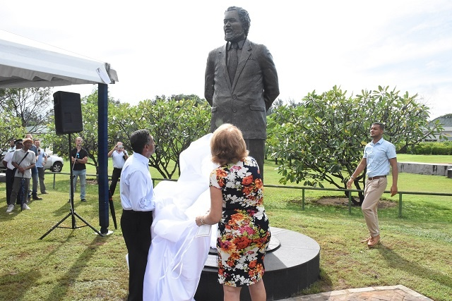 3-metre statue of Seychelles' first President, James Mancham, unveiled