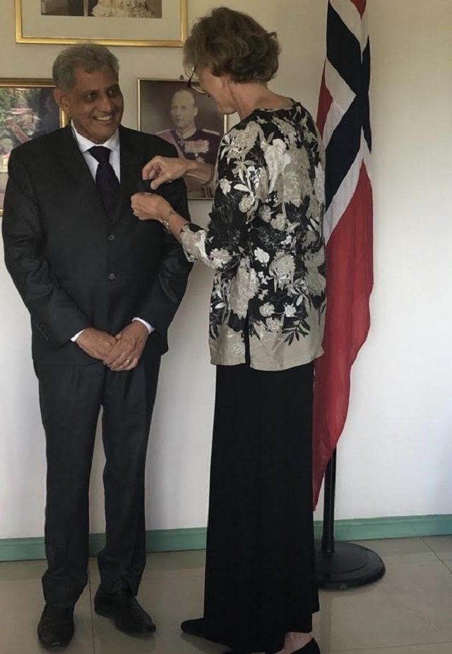 Norway honours Seychelles' honorary consul for work on marine security, relations