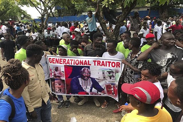 Manifestation de milliers de Libériens déçus par George Weah à Monrovia