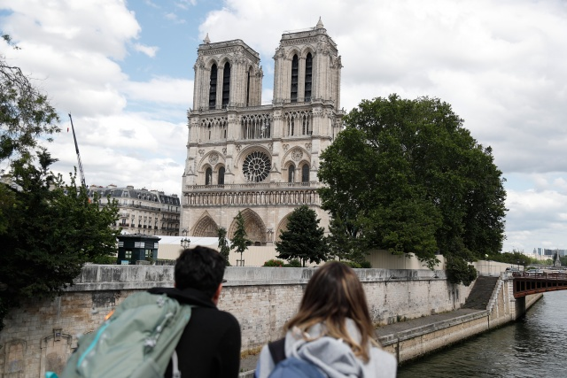 Paris's Notre-Dame holds first mass since devastating blaze