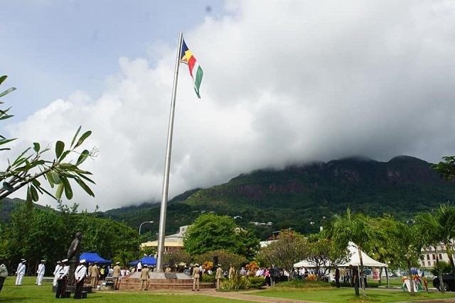 """La célébration de la Journée de la Constitution rappelle aux Seychellois leurs """"droits et responsabilités""""."""