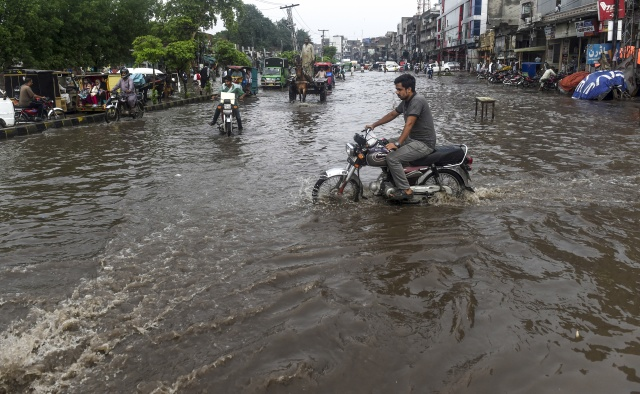 Monsoon toll tops 650 as rains unleash flood fury in South Asia
