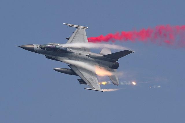 La Corée du Sud annonce des tirs de semonce contre un appareil russe